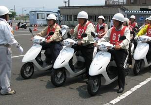 子供と高齢者を交通事故から守る活動