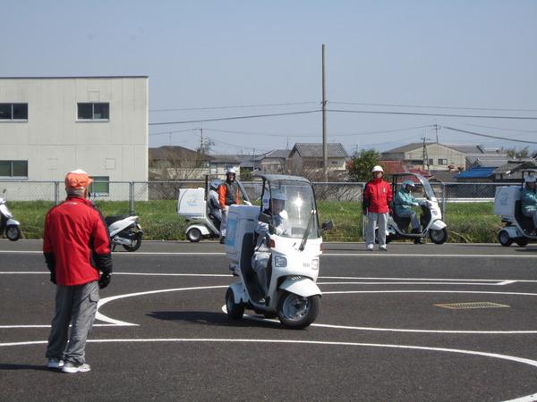法人会員である企業の「新入社員研修」として、「ミニバイク講習会」を開催しました